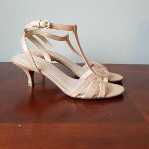 Nine West T-strap leather sandal